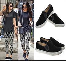 Модная и стильная женская обувь слипоны на танкетке и платформе JULY!