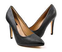 Стильные Стильные и удобные женские туфли, лодочки  черного цвета на шпильке!