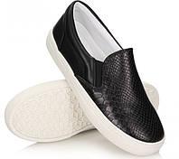 Модная и стильная женская обувь слипоны на танкетке и платформе OLIVIA!