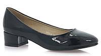 Лаковые туфли черного цвета