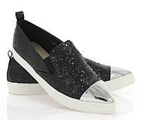 Модная и стильная женская обувь слипоны на танкетке и платформе ADELINE BLACK