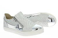 Модная и стильная женская обувь слипоны на танкетке и платформе ANGELLE