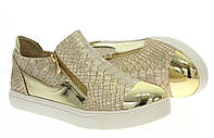 Модная и стильная женская обувь слипоны на танкетке и платформе ANGELLE GOLD