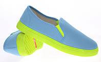 Модная и стильная женская обувь слипоны на танкетке и платформе BUD blue