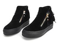 Модная и стильная женская обувь слипоны на танкетке и платформе высокие