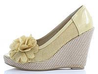 Женские летние туфли бежевого цвета с открытым носком