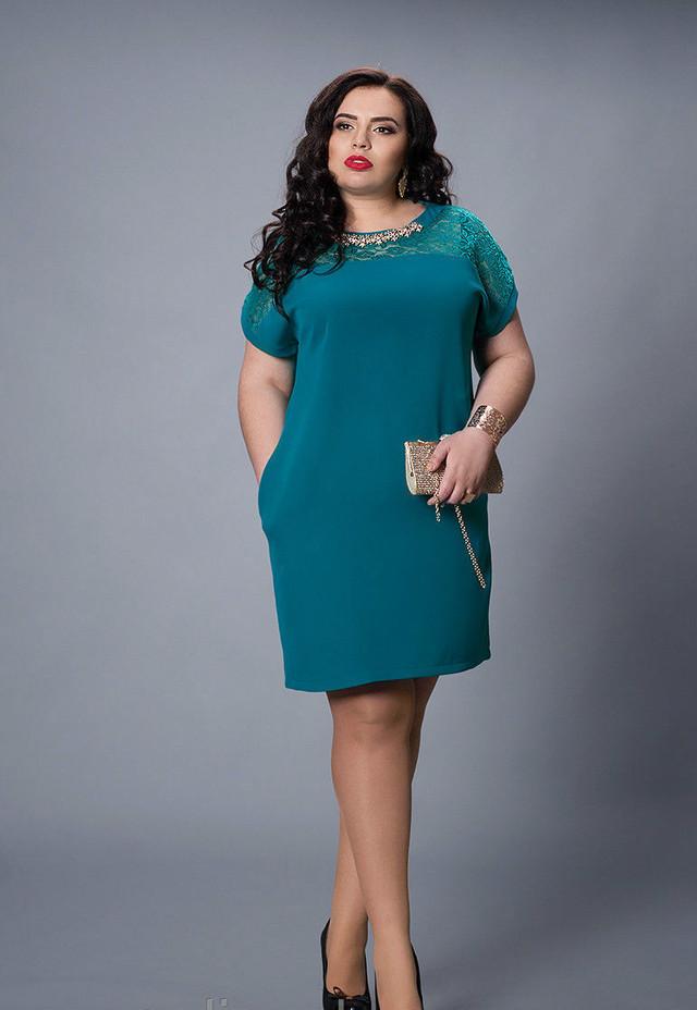 Женское платье цвета морской волны