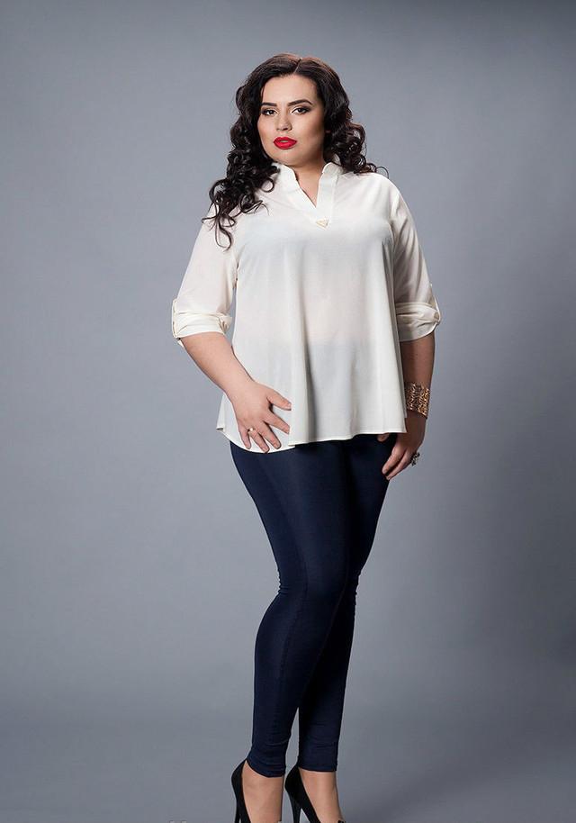 Молочная женская блуза
