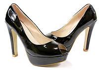Елегантные туфли на каблуке черного цвета. Очень стильные!