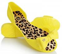 Яркие резиновые балетки желтого цвета
