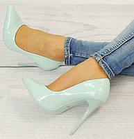 Стильные и удобные женские туфли, лодочки  лакированные на шпильке размер 36,39