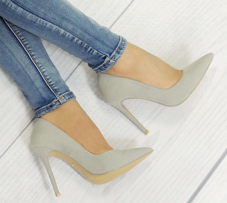 Стильные и удобные женские туфли, лодочки  замша на шпильке  размеры 35,36