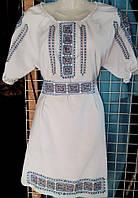 Вышитое женское платье орнамент