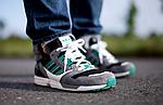 Кто носит кроссовки Adidas?