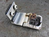 Петля левой задней распашной двери б/у на Ford Transit год 1994-2000 (парус)