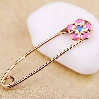 Золотая булавка с розовым цветочком эмаль