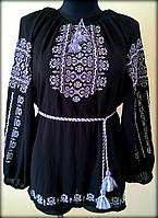 """Вишиванка жіноча  """"Ілюзія"""" на чорному шифоні, блуза вишита білими та сірими нитками, машинна вишивка"""