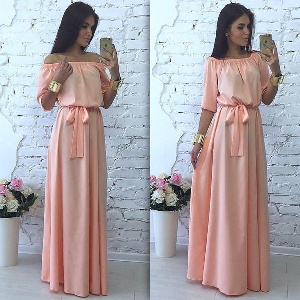 Платье в пол с открытыми плечами фото