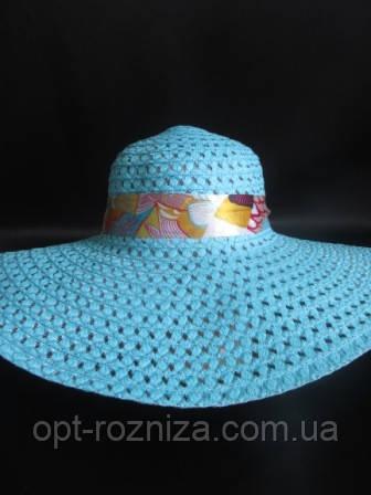 Красивая и яркая шляпа на лето