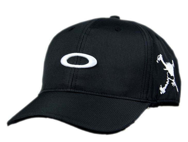 Бейсболка фирмы OAKLEY. Мужские бейсболки. Бейсболка OAKLEY. Мужские кепки.