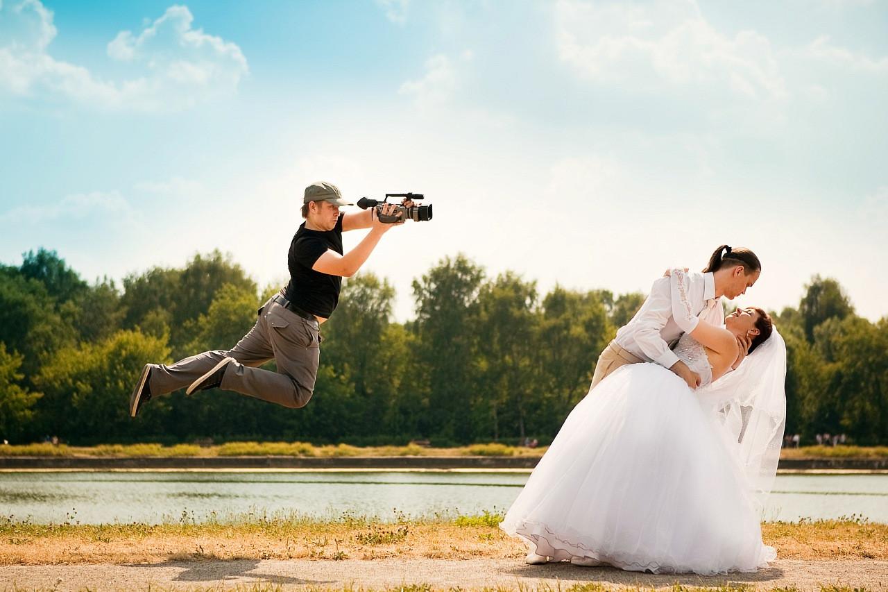 Ведущий, фотограф, видео.