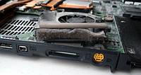 Очистка от пыли элементов внутренней части корпуса, смазка активной системы охлаждения ноутбука