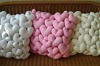 Замечательные подушки из сердечек из однотонной бязи!