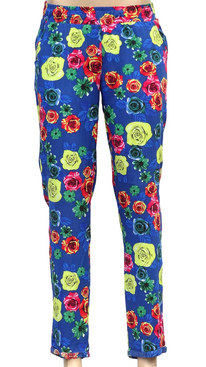 Яркие летние штаны в цветки