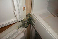 Перенавеска дверей холодильника