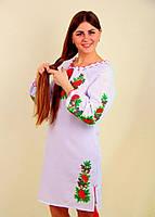 Вышитое женское платье крестиком