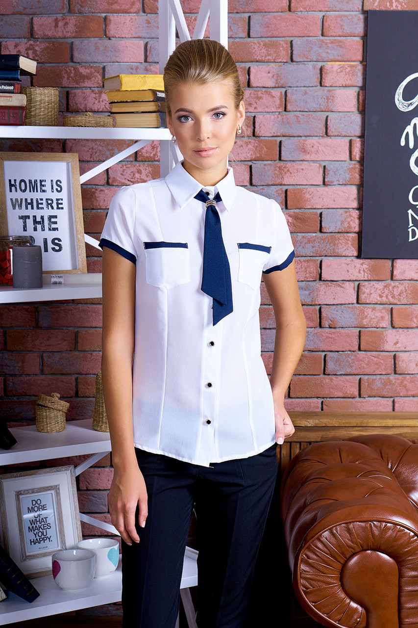 Удобная классическая блуза