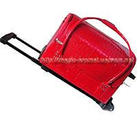 Бьюти Кейс для косметики на колесах с ручкой.Красный лак.(длина-40см,ширина-24см,высота-29см)