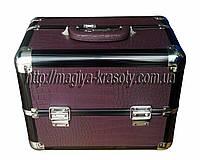 Эксклюзивный алюминиевый кейс для косметики с выдвижными полками, цвет - фиолетовый, матовая кожа крокодила.
