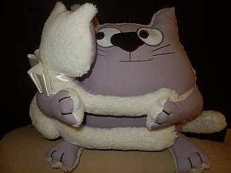 "Интерьерная подушка-игрушка ""Обнимашки"""