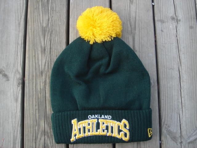 Шапка зимняя Oakland Athletics  / SPK-54 (Реплика)