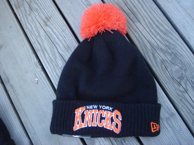 Шапка зимняя New York Knicks  / SPK-59 (Реплика)