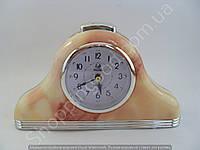 Настольные часы будильник Pearl PR2 треугольные с подсветкой арабские цифры шаговый ход