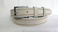 Кожаный ремень 35 мм оливкового цвета прошитый светлой ниткой пряжка хромированная классическая