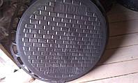 Люк дачный 700 кг. (черный) с замком