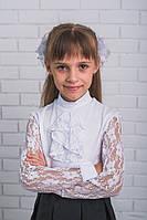 Блузка для девочки с жабо белая