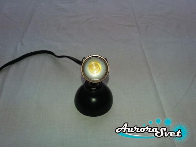 настенный светильник направленный свет