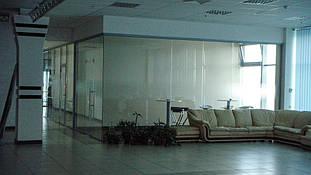 Автосалон (Киевская обл.): внутренние перегородки - алюминиевые, цельностеклянные, сантехнические 8