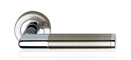 Ручка дверная Linea Cali Karina на 102 металлической розетке, никель матовый/хром