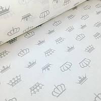 Хлопковая ткань польская серые короны на белом