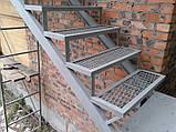 Внешняя лестница с балконом, фото 4