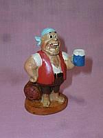 Пират с пивом декоративная статуэтка 8 сантиметров высота