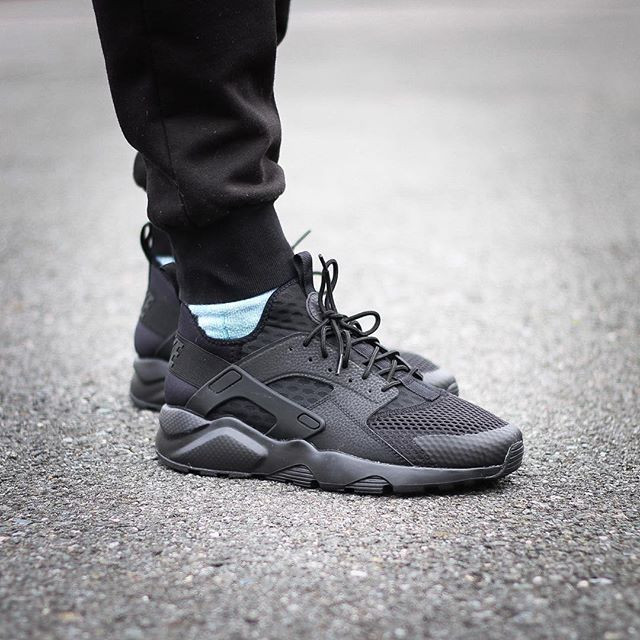 Кроссовки Nike Huarache Run Ultra Breeze (All Black)