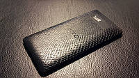 Декоративная защитная пленка для HTC Desire 600 рептилия черная, фото 1