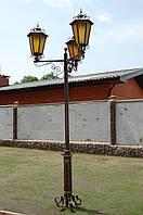 Кованый фонарь в сад под три лампы