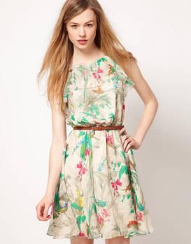 Легкое платье – отличный выбор на лето